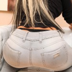 tight-aileen-taylor-in-grauen-engen-jeans-3